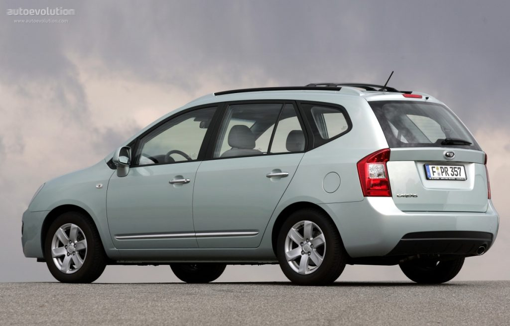 De Kia Carens met de facelift van 2006-2011