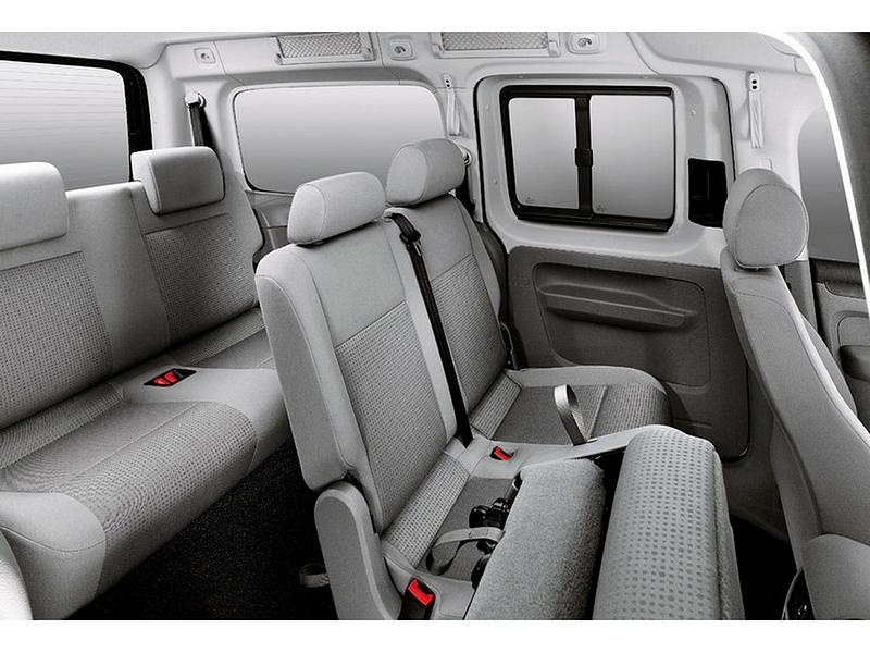 De Volkswagen Caddy Combi van 2010-2015 - interieur