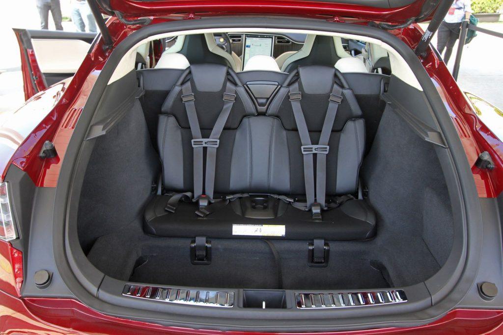 De Tesla Model S van 2016 - interieur