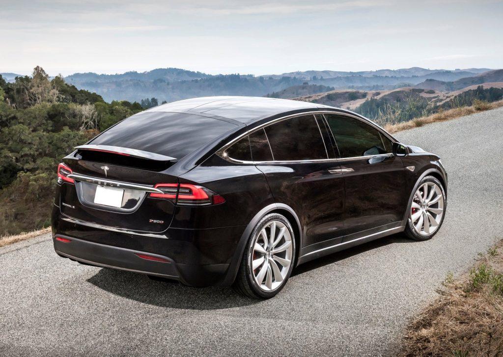 De Tesla Model X van 2016