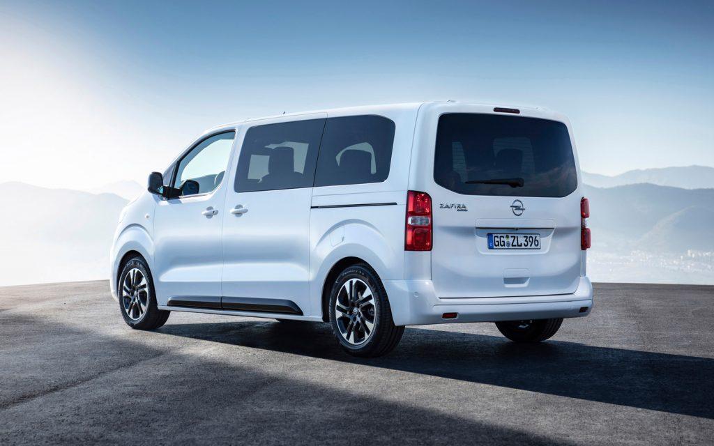 De Opel Vivaro van 2019 wordt verkocht als de Opel Zafira Life